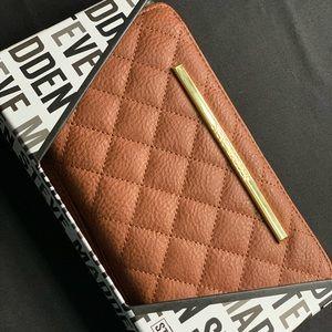 Beautiful Brand New Steve Madden Wallet